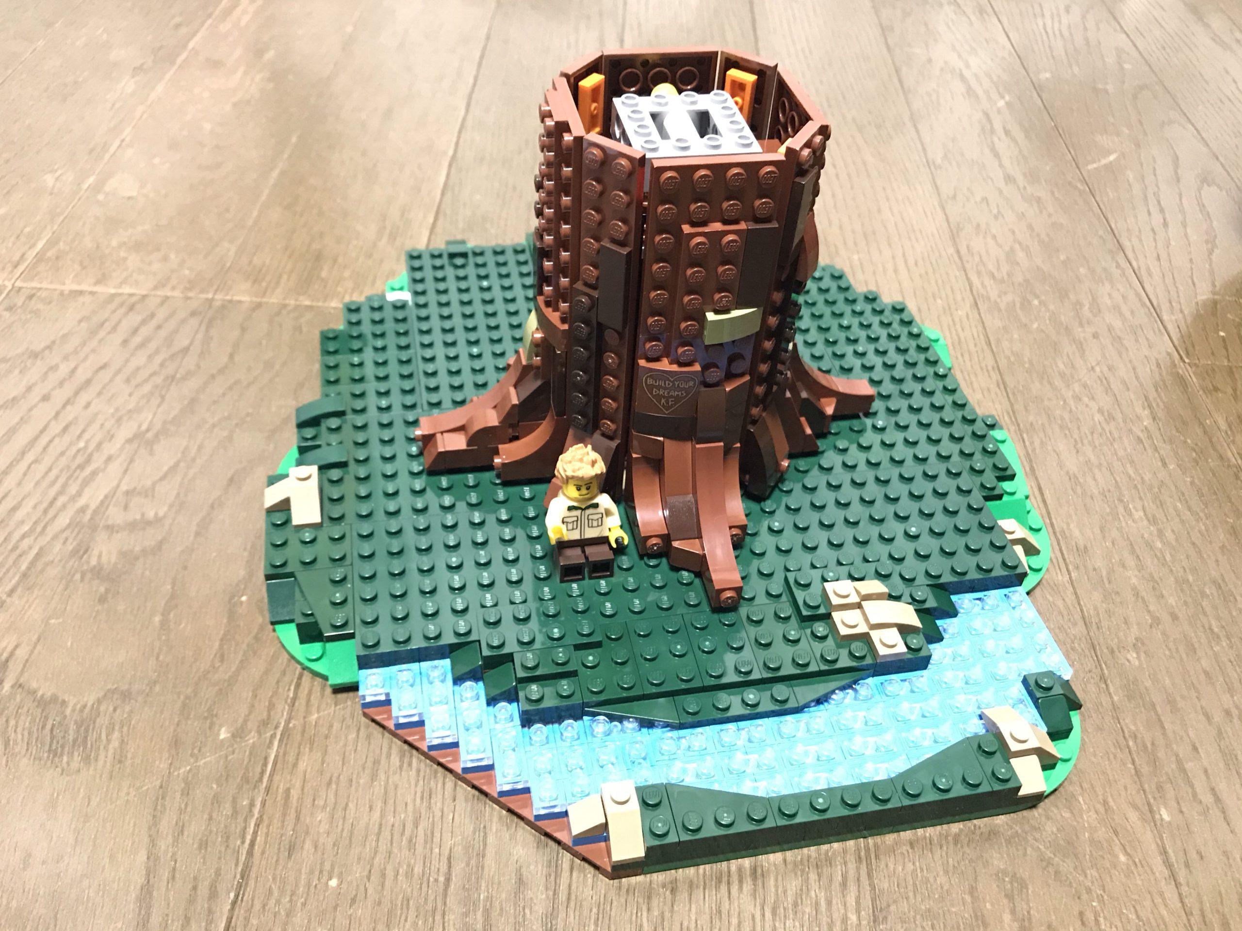LEGOツリーハウス(21318)組み立て5 なるほど枝はこう付けるのか